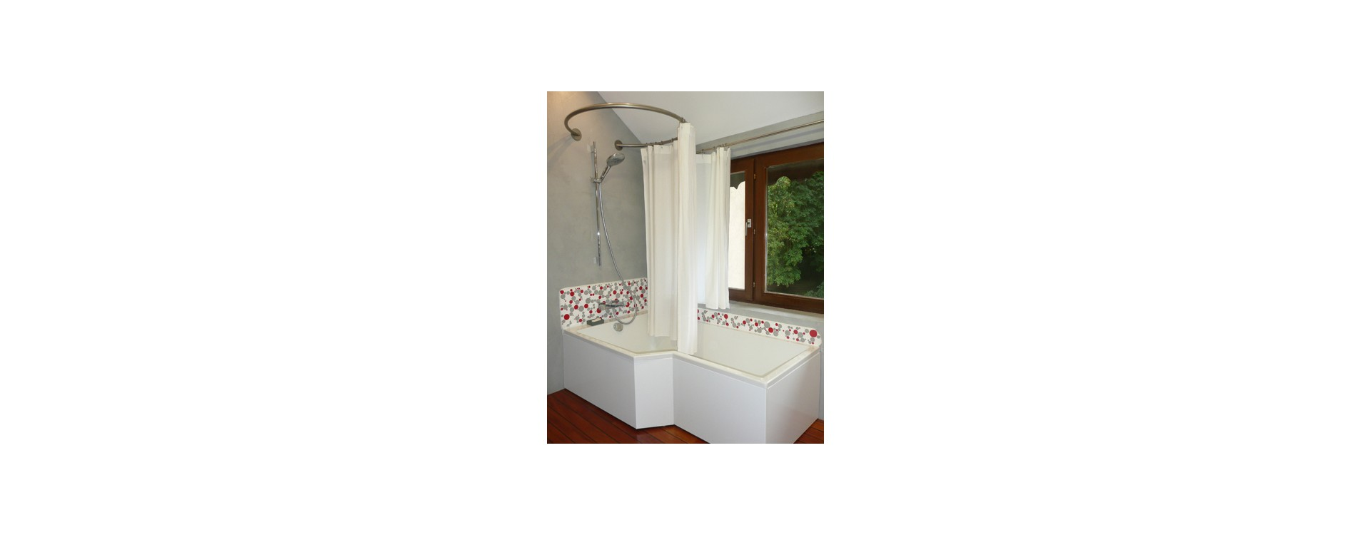 La baignoire bain-douche Neo de Jacob Delafon et GalboBain