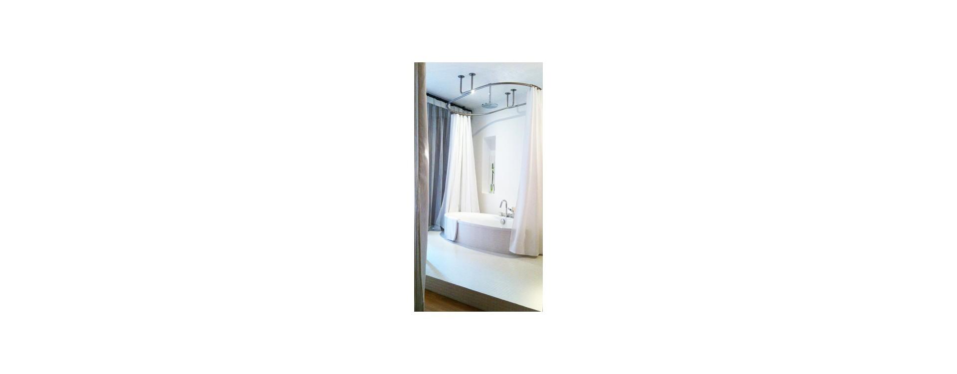 A l'hôtel de la Maison Troisgros, GalboBain habille la baignoire Presqu'île de Jacob Delafon
