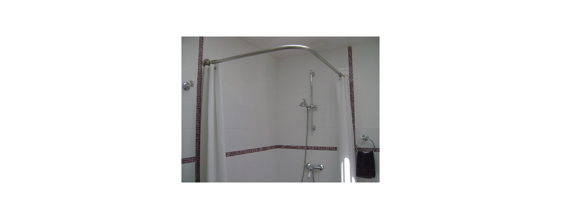 Tringle rideau de douche galbobain sur mesure pour douche italienne galbobain for Photos de douche italienne