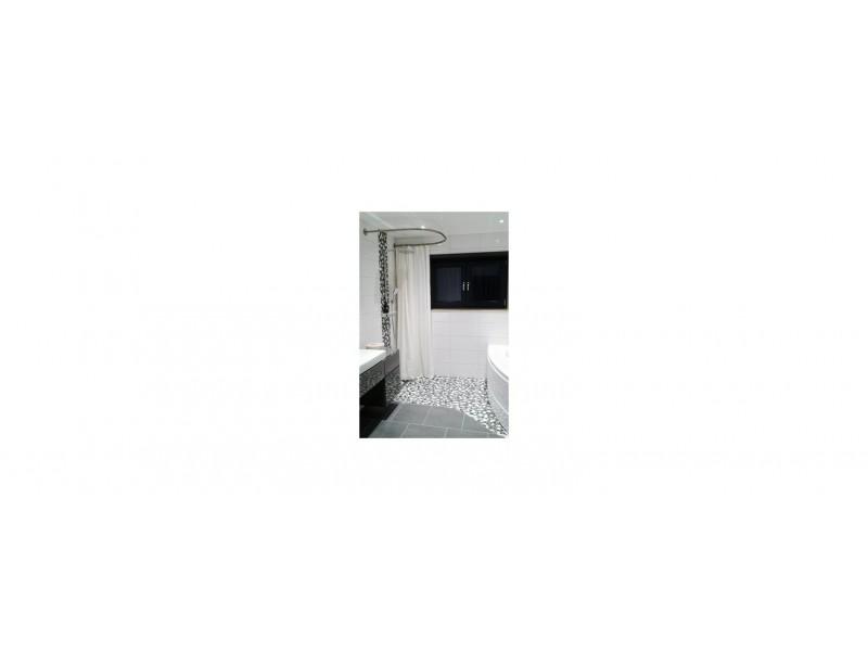 GalboBain et la barre de rideau de douche en U sur-mesure