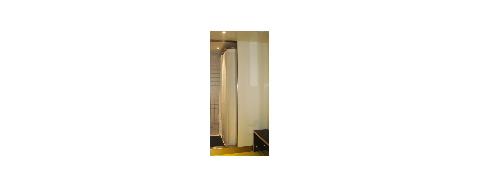 cabine-douche-mon-stade-en-L-rideau-douche