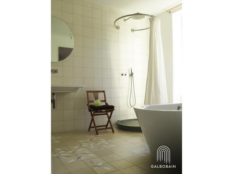 Cabine de douche textile murale circulaire GalboBain: esthétique et fonctionnelle