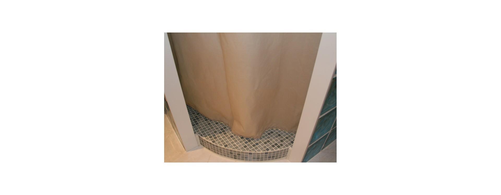 Douche l 39 italienne d 39 angle quart de rond et solution for Rideau de douche en lin